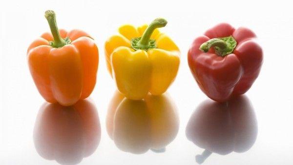 Paprika patří dlouhodobě k nejpopulárnější zelenině. V této reportáži se zaměříme na zahrádkářské výsevy do nevytápěných fóliovníku, studených skleníčků a na venkovní záhony. Vhodná doba je zde!