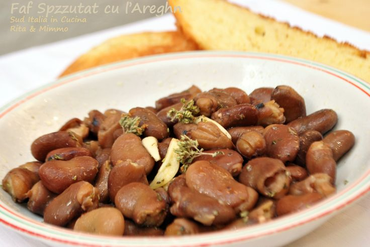 Faf Spzzutat' Bullut cu l'Areghn - Fave Spuntate Bollite all'Origano -http://cucinasuditalia.blogspot.it/2011/10/fave-bollite-allorigano.html