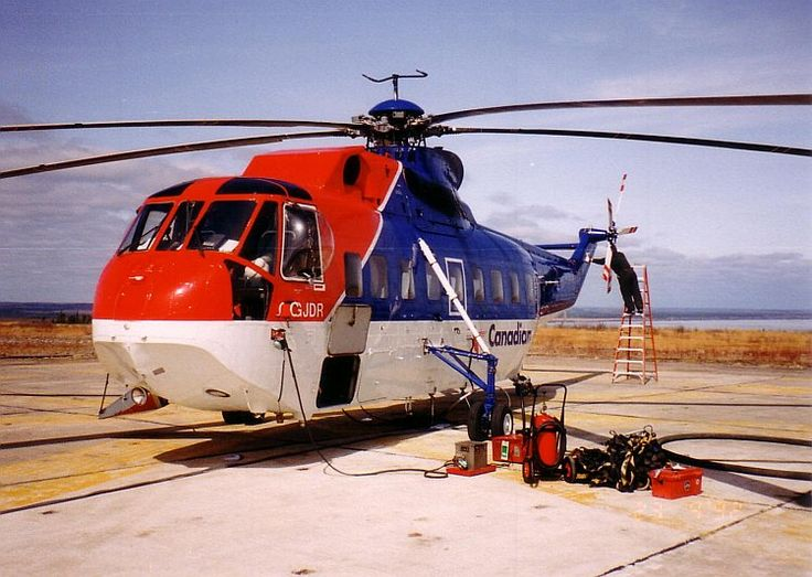 A Canadian Helicopters Sikorsky S-61L at CFB Cold Lake in 1992.