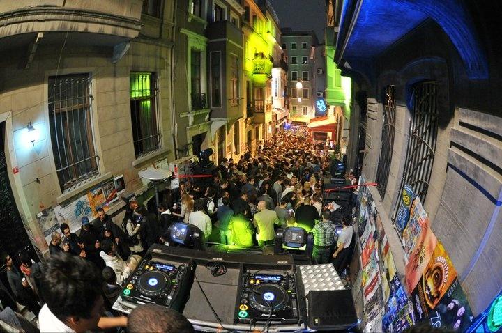 Radio Bogazici - Spring Fest Opening Party @Küçük Beyoğlu Street |