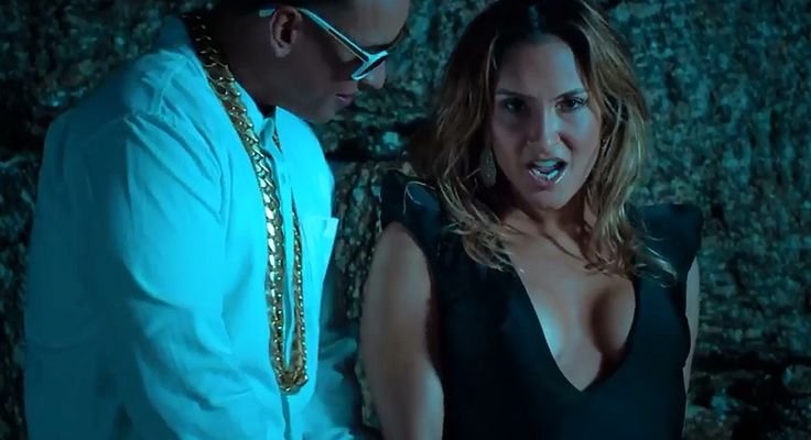 Corazon - Claudia Leitte Ft. Daddy Yankee [Video Oficial] - Reproducer