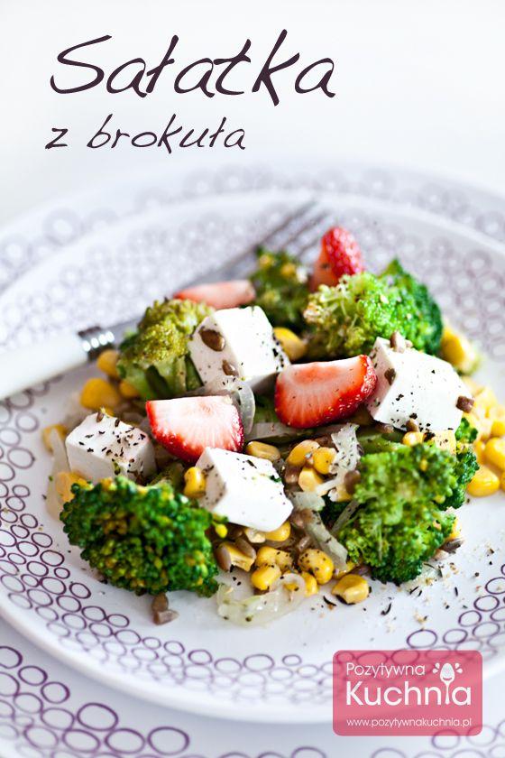 #Salatka z brokuła z serem feta, kukurydzą, słonecznikiem, a do tego #truskawki  http://pozytywnakuchnia.pl/salatka-z-brokula/  #zdrowie #przepis #kuchnia