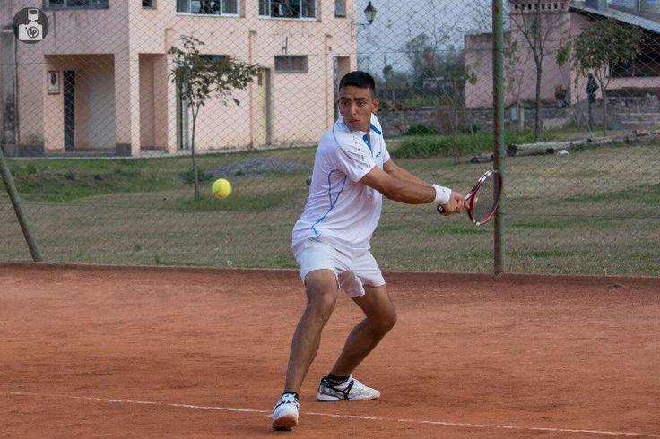 Conocé al salteño con futuro alentador que llevó su tenis a Francia: Alejandro Orihuela representa a la provincia y al país a nivel…