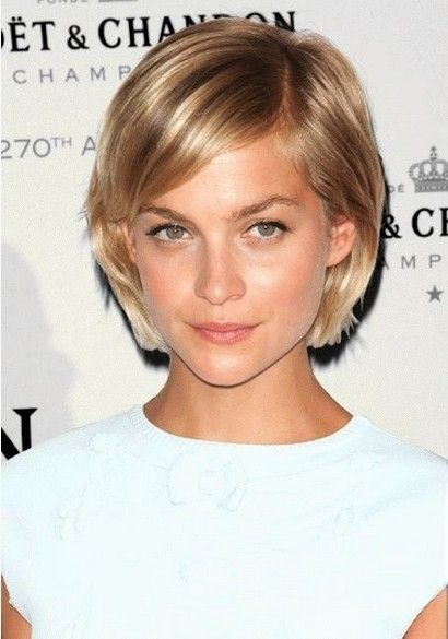 Side Parted Bob Haircut for Blond Hair