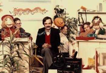 Παραμυθάς με Ροζαλία και Τιμολέοντα Γιατί οι παιδικές τηλεοπτικές σειρές της ΕΡΤ των '80ς παραμένουν αξεπέραστες. - ΜΙΚΡΟΠΡΑΓΜΑΤΑ - LiFO