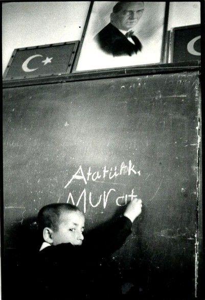 Letizia Battaglia Turchia 1984.jpg