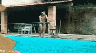 Los peligros de hacer el gañán en la piscina