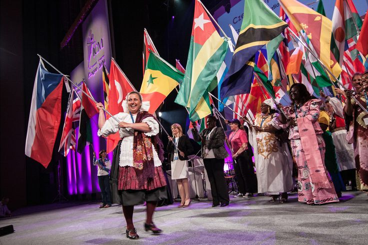 Vlajka České republiky na konferenci ICM v Praze a na oficiálních stránkách Ministerstva zdravotnictví. Marie Vnoučková s vlajkou!