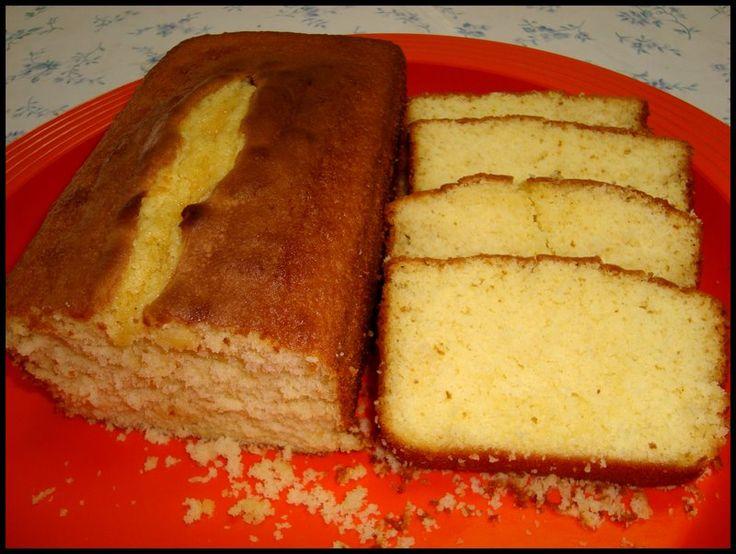 Bolo tipo PULLMAN (Érica) - Culinária-Receitas - Mauro Rebelo - Bolo de fôrma Essa receita fica bem parecida com o bolo de fôrma comprado. Espero que goste Bolo de fôrma 200 g de margarina 3 xícaras (chá) de açúcar 1 pitada de sal 5 ovos 1 colher (sobremesa) de emulsificante
