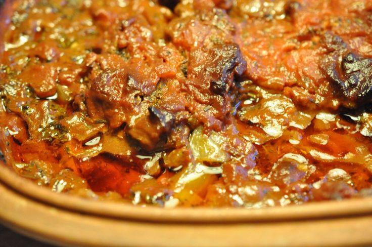 Osso buco med tomater og rosmarin. Let og lækkert simremad.