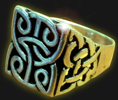 Simple and beautiful, the Celtic knot never ends
