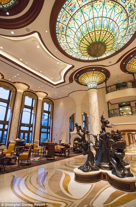 Inside the Shanghai Disneyland Hotel!