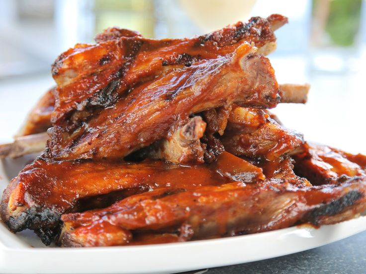 Barbecue Pork Ribs — Restaurante Fonda Paladar la Paila : The sauce on these Cuban-style ribs is made with sour orange for a fresh island feel.
