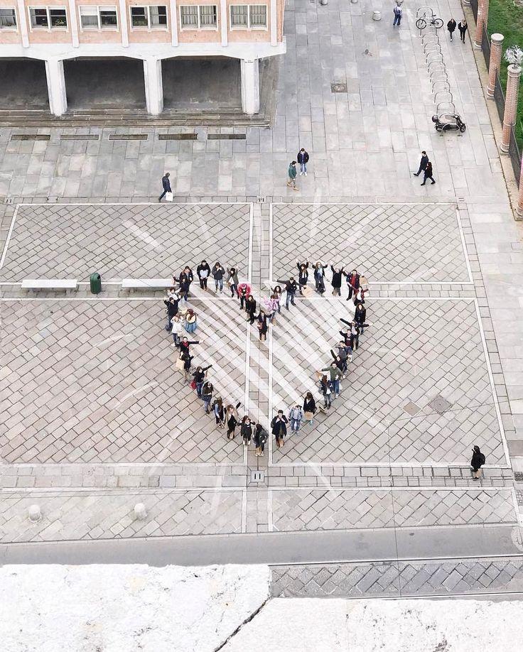 Photo par @luccico Le Worldwide InstaMeet 16 (#WWIM16💌 ) a lieu ce week-end, du 8 au 10 septembre! Rejoignez des dizaines de milliers de personnes du monde entier pour échanger, découvrir et faire la fête tout répandant autour de vous le thème de cet InstaMeet: #KindComments, un mouvement mondial visant à diffuser des messages de gentillesse, d'amour et de positivité sur et en dehors d'Instagram. Les InstaMeets font partie intégrante de notre communauté depuis les tout débuts d'Instagram…
