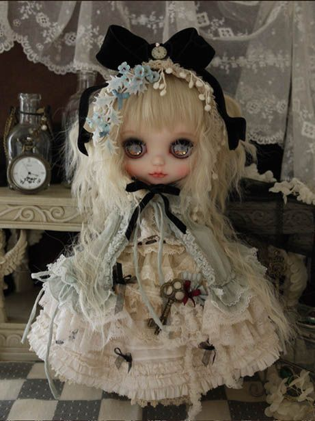 fancy Gothic style by Milk Tea