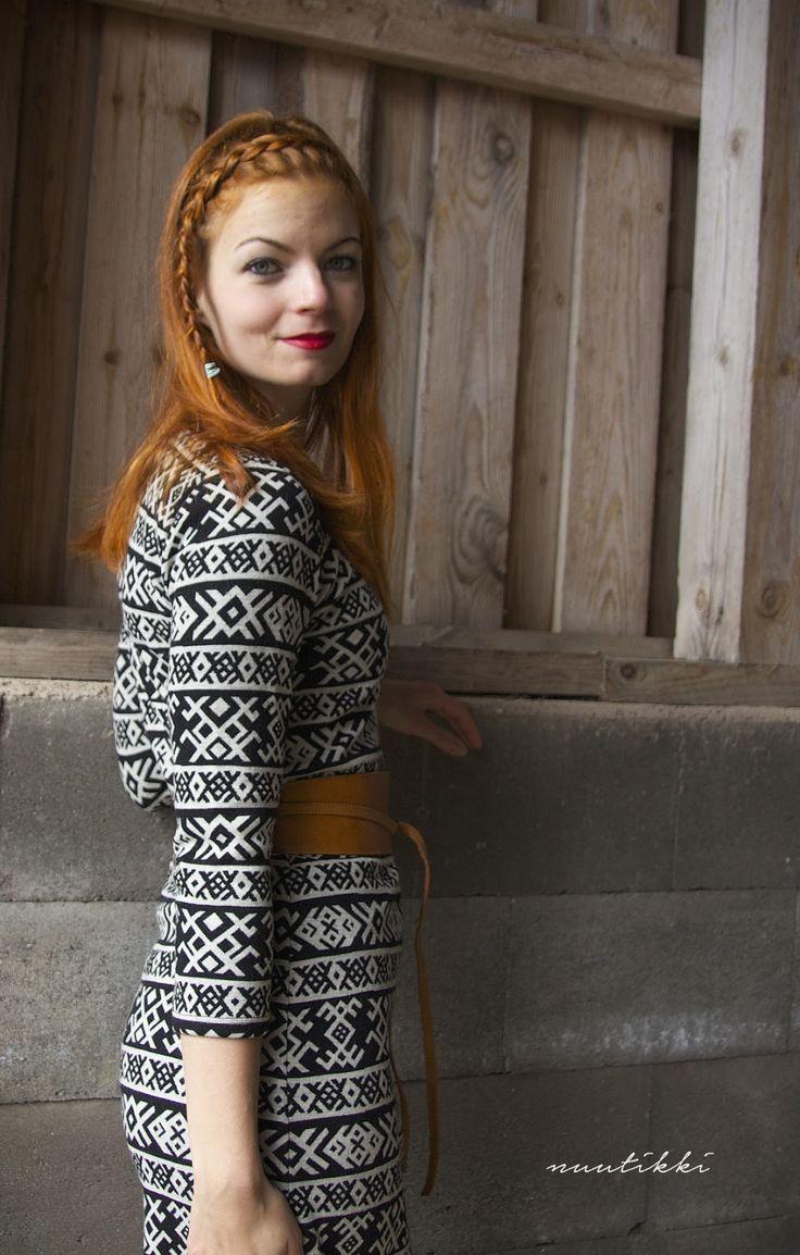 Lydia: Karelia tunika
