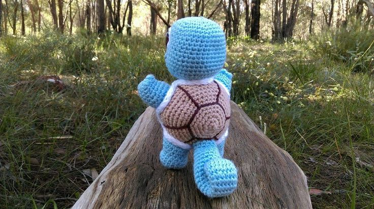 'Squirtle' - Pokémon...back.    Project information and pattern link here; http://www.ravelry.com/projects/LindaDavie/baby-squirtle