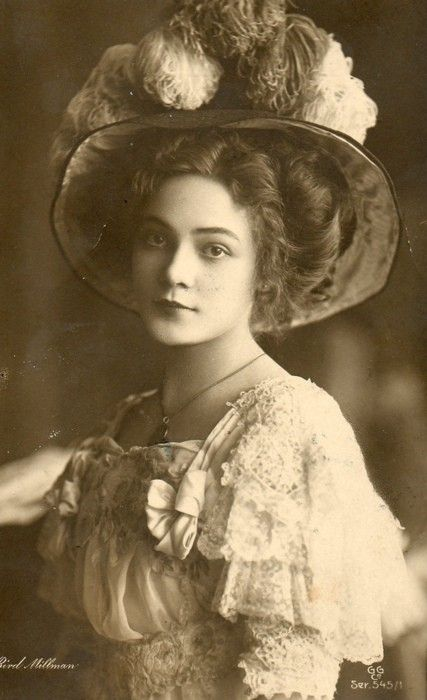 Edwardian beauty. Love the hairstyle and hat!