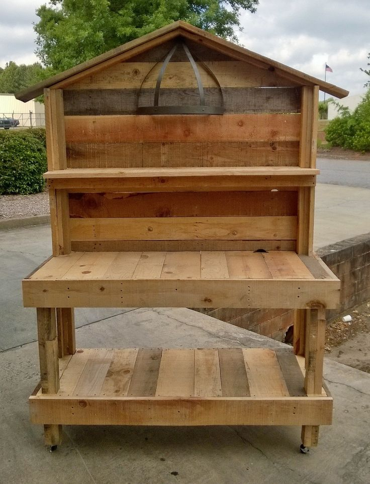 An Upcycled Garden Work Bench That I Made Out Of Pallet Wood. Instead Of  Peak Make It Flat For Additional Shelving