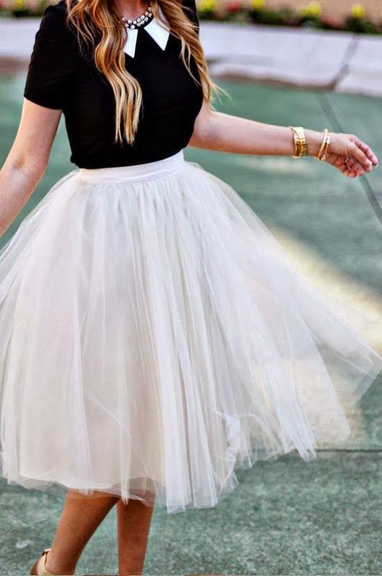 """¿Podría gustarme más el tul? Es un tejido que me encanta. De hecho, como sabéis lo llevé en mi vestido de novia. Me gusta su textura, su """"pomposidad"""", su delicadeza, el """"frusfrus&…"""