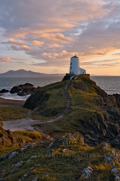 "Wales.  #gbtravel Hashtag for Travel in Great Britian http://www.europealacarte.co.uk/blog/2013/04/18/gbtravel-hashtag-great-britain-travel-tweets/ …"""