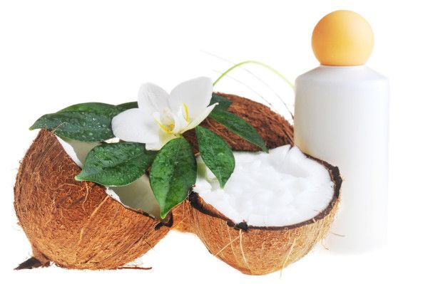 Homemade Coconut Cream Shampoo INGREDIENTS:  1/4 cup coconut milk or cream 1/3 cup liquid castile soap (like Dr. Bronner's) 1 tsp vitamin E, olive or almond oil 10 to 20 drops your choice of essential oils (I used Lemongrass)