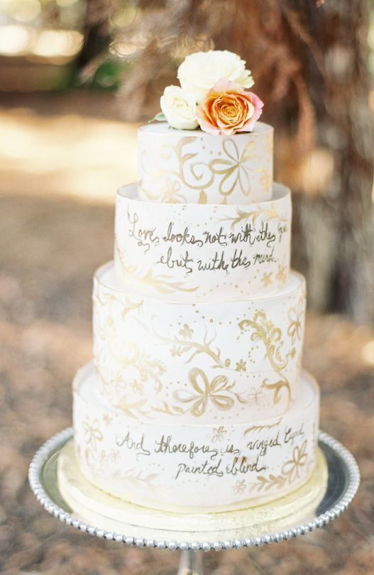 Wedding cake idea; Featured Photographer: Lucy Munoz Photography