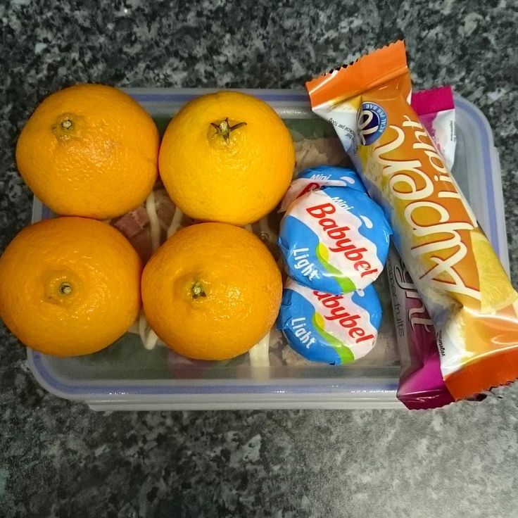 My lunch and snacks for work. Babybel for my hexa Alpen Light bars for my second hexb and oranges for speed  #ilovesw #swinsta #swfollowers #swmafia #sw #foodoptimising #onplan #SlimmingWorld #swuk #instafood #slimmingworldfriends #weightloss #weightlossjourney #swfood #fooddiary #slimmingworldfood #swsupport #slimstagram #slimmersofinstagram #healthyeating #healthychoices by hayles_getting_slimmer