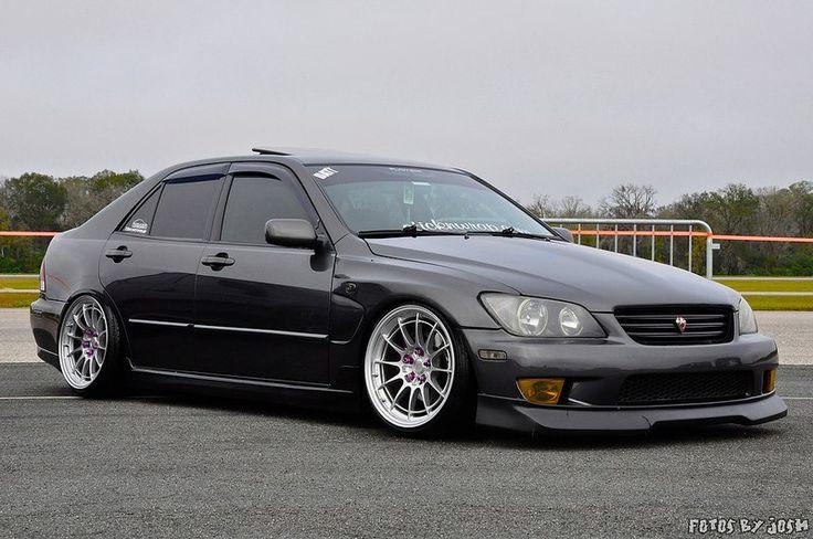 Clean Lexus IS300 / Toyota Altezza (via @m. Monsters Do )