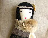 """Bambole di pezza fatte a mano da Gaiia Kim, uno-di-un-tipo panno bambola, non limitata Édition """"Années Folles"""" 164 su Etsy"""