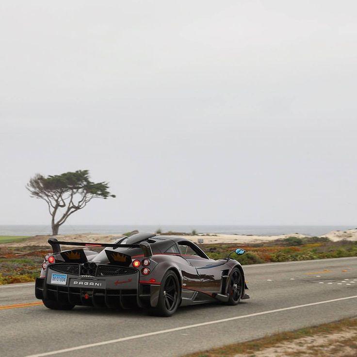 A tree fit for a kingtasma #Carweek #Carweek2017 #MontereyCarweek #Carmel #Carmelbythesea #Monterey #TheQuail #PebbleBeach #OceanAve #LiveUpload #SpeedFanatics @SpeedFanatics #FastNExotic #ItsWhiteNoise #MadWhips #Pagani #Zonda #ZondaHP #PaganiZonda...