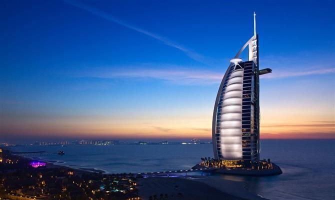 Hotelaria - Hotel 7 estrelas de Dubai ganha deque sobre o mar - Notícia - Turismo