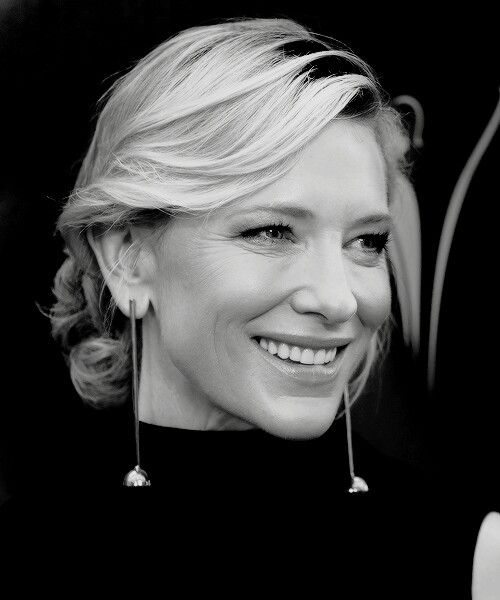 Cate Blanchett wins the AACTA Longford Lyell Award during the 5th AACTA Awards Presented by Presto at The Star on December 9, 2015 in Sydney, Australia.