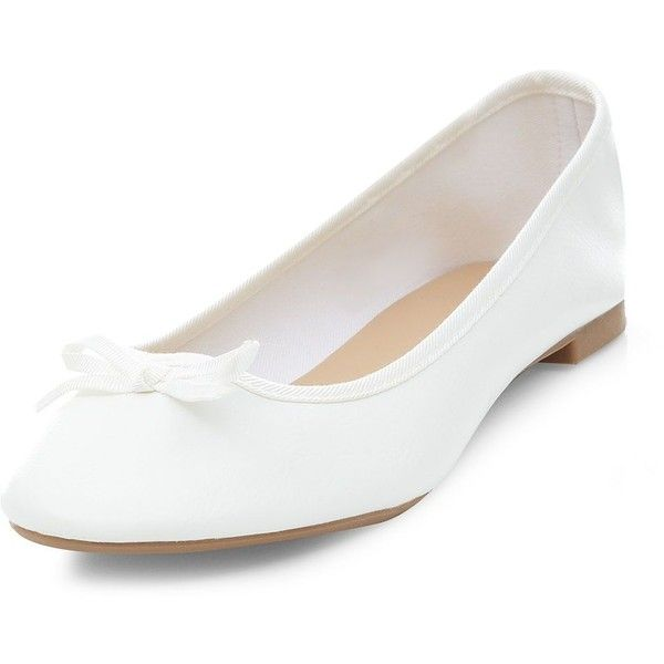 White Basic Ballet Pumps ($5.12) ❤ liked on Polyvore featuring shoes, pumps, lullabies, white, white court shoes, round toe pumps, ballet flat shoes, white ballet flat shoes and round cap