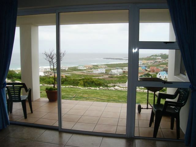 Casa Blanco Flat - Casa Blanco Flat is a self-catering flat, located underneath the owners' house, in Yzerfontein.  The views of the sea from the flat are stunning and the sunsets are to die for.  Yzerfontein is a tranquil ... #weekendgetaways #yzerfontein #southafrica