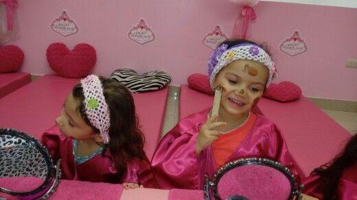 Nuestras Spa Girls aprenden lo importante que es quererse y cuidarse con tips de acuerdo a su edad.