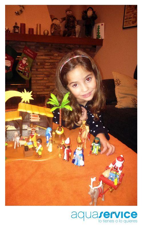 ¡Sonrisas Aquaservice! La pequeña de Isabel con su regalo esta Navidad. ¡Enhorabuena, ganadora! #ganaconaquaservice