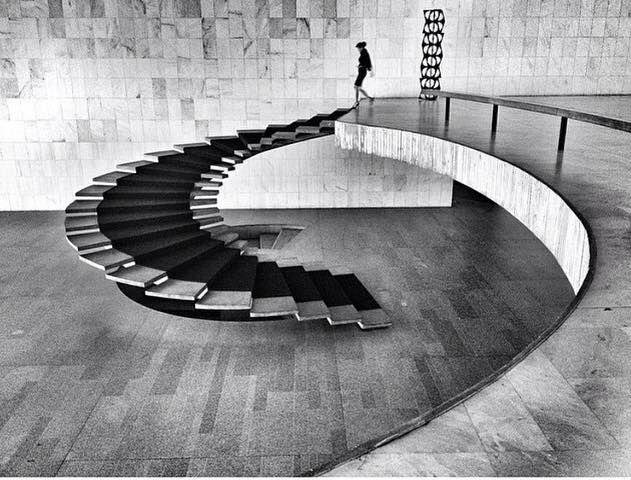Stairs by Oscar Niemeyer