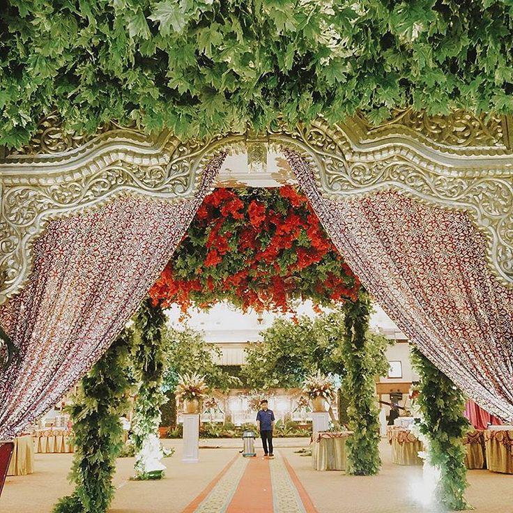 9 best real wedding putri ranggas javanese garden wedding images 56 likes 5 comments event wedding decor jakarta sentrabunga on junglespirit Gallery