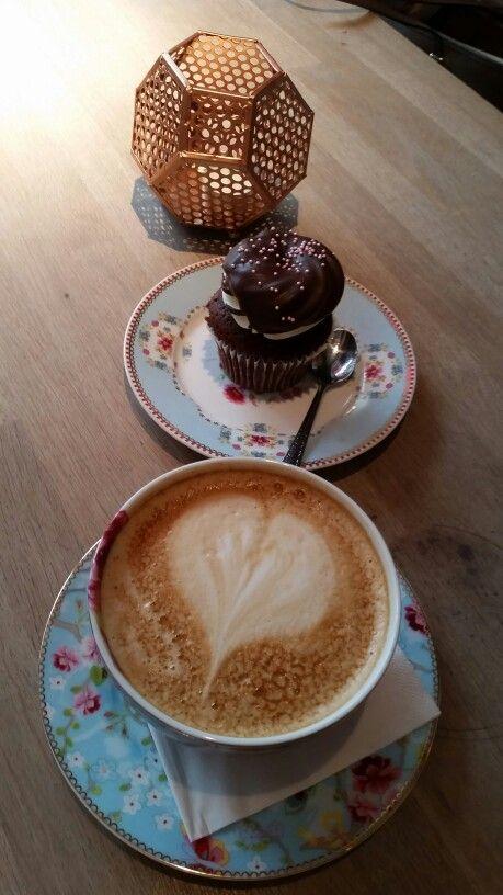 Kaffekos på Fairytale Cupcakes ☕