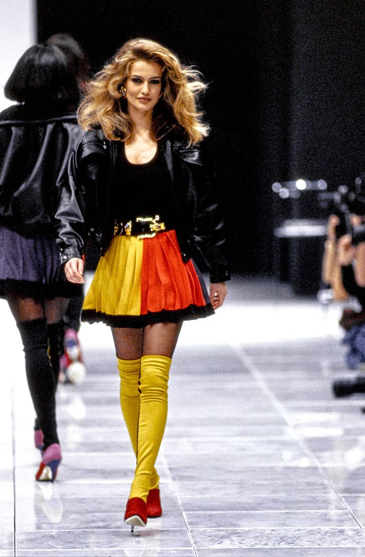 Versace Fall 1991 Ready To Wear Fashion Show