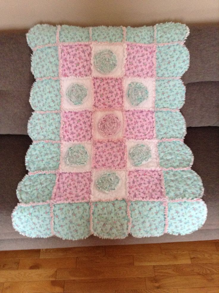 1000+ images about Rag quilt baby on Pinterest Quilt, The park and Baby rag quilts
