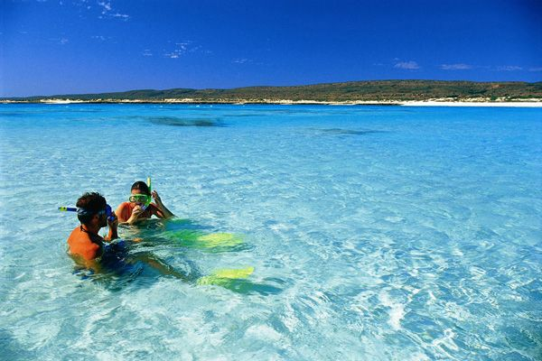 Snorkelling at Ningaloo Reef, http://www.escapefish.com/destinations/australia/exmouth