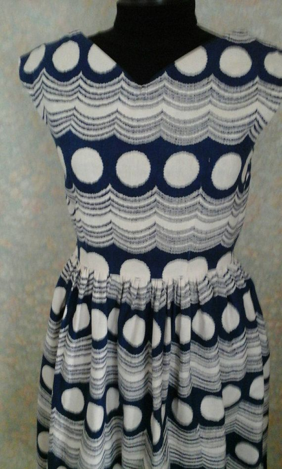 Hey, I found this really awesome Etsy listing at https://www.etsy.com/listing/513221525/dress-vintage-dress-1950s-vintage