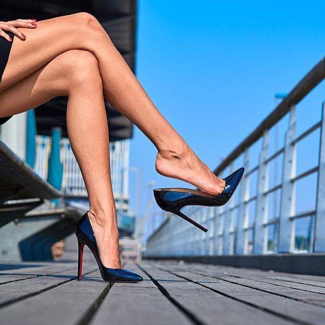 крепкие женские ноги на каблуках фотосессия юбки макси