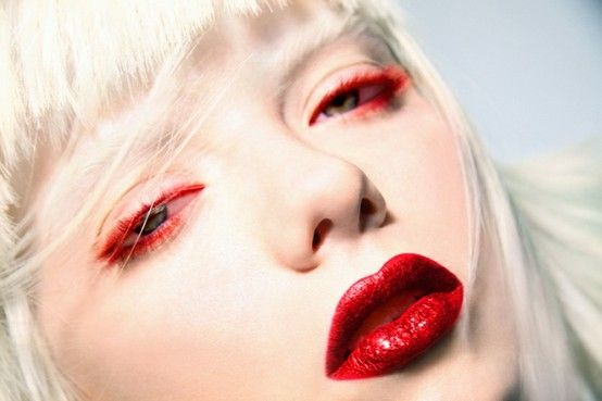 eyelash trick : pigment & vaseline NYX Colour Mascaras White Primer