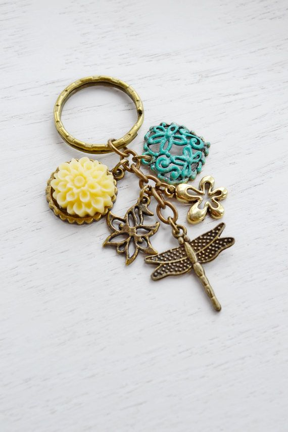 Dragon fly Key Chain, Dragonfly Jewelry,PYellow Flower Keychain, Antique Brass,Tree Branch Key Chain,Tree,Leaf, Insect Jewelry,Woodland,Patina Accessory Keychain