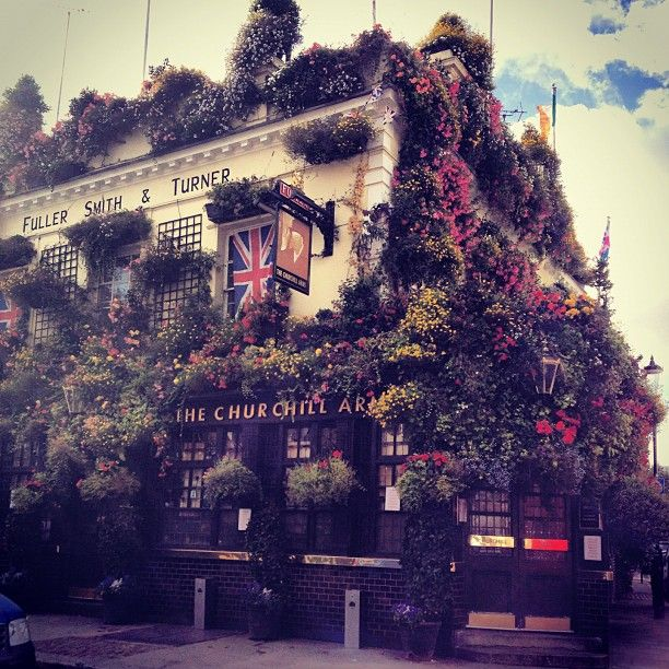 The Churchill Arms: classic London pub