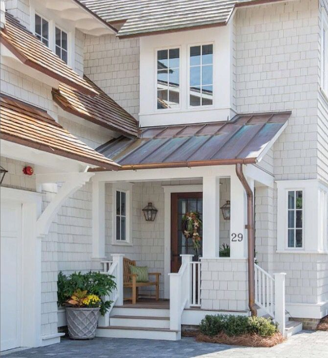 90 Incredible Modern Farmhouse Exterior Design Ideas 63: Side Porch With Metal Roof, Replace With Dark Gray Metal
