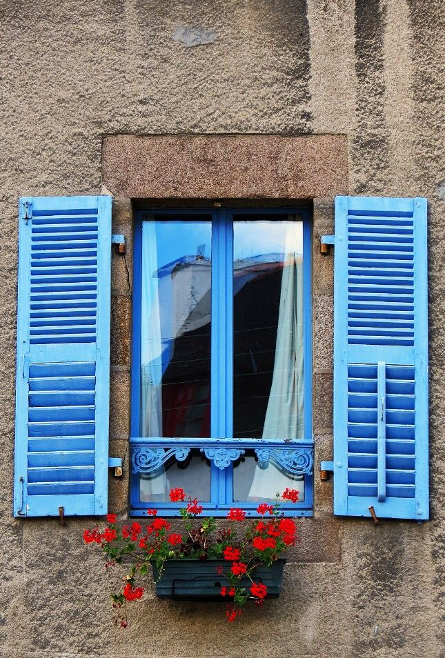 17 Best Ideas About Blue Shutters On Pinterest Brick